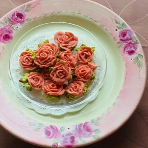 薔薇のあんクッキーを焼いてみました。