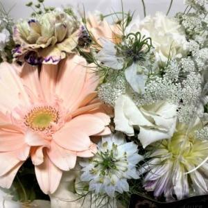 チェスターさんにお花