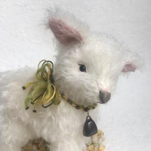 仔羊のAries(アリエス)ちゃん首飾り&完成写真