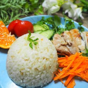 ダイソーの炊きごみご飯の素で簡単!海南鶏飯