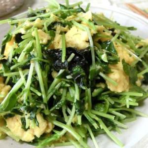 さっと炒めるだけ☆ 豆苗と韓国海苔のたまご炒め