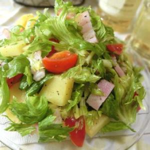 セロリの葉が美味しい♪ セロリの葉とポテトとベーコンのサラダ