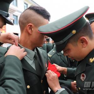 中国ある騎兵隊の「達者でなあ」