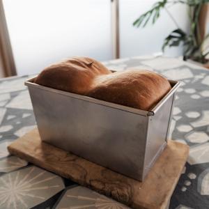 パン型で作る食パン。