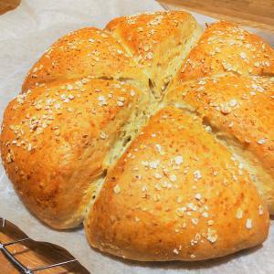 オートミールでパン作り。