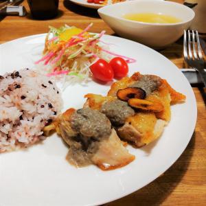 チキンソテーマッシュルームソース