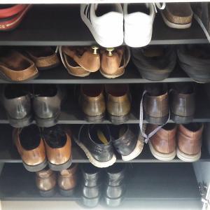 ●開運の第一歩は玄関掃除!靴箱の片付け!旦那と子供の靴を磨く!