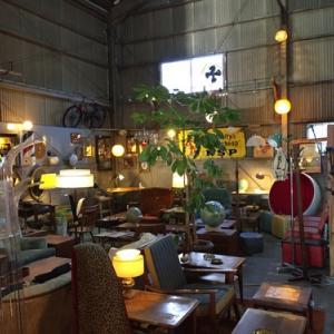 福岡県の新宮にあるヴィンテージ家具Glowさんに行ってきた