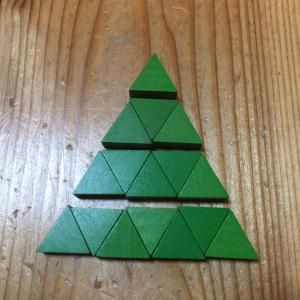 ピラミッドのブロックは何個かな?
