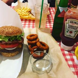 L•S Burger