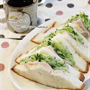 朝はパン♪パンぱぱん♪
