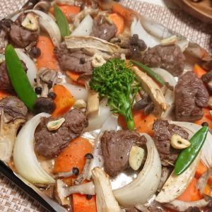 ラムをテキトウにオーブンで焼く。