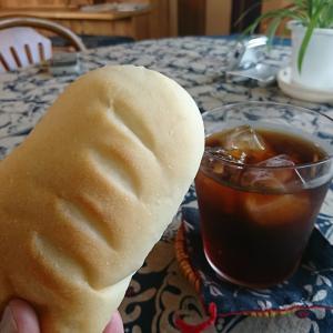 ママ、うまいじゃん!新食感、ちくわとチーズクリーム入りコッペパン これはおいしい、オイラは特にちくわが気に入りましたよ!