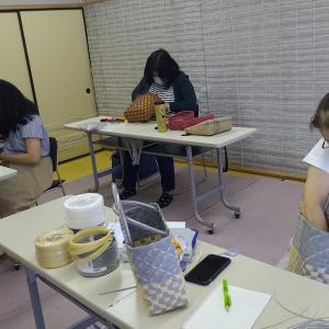 お教室での作品も秋を感じるようになりました。