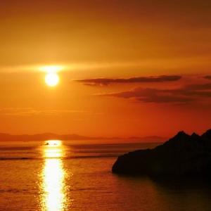 夕暮れのオレンジと赤の絶景