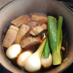 Braised cubed pork | 豚の角煮