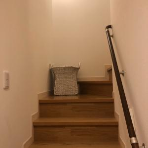 階段に置く収納