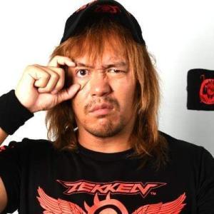 新日本プロレスの、内藤哲也の恰好で・・・