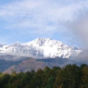 圧巻!初(?)冠雪の天狗岳2020.10.19(昨日撮影。平沢峠からの赤岳も。)