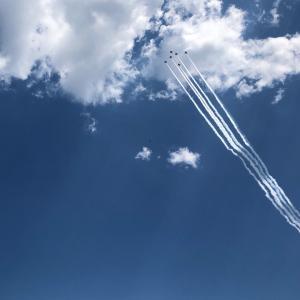 東京の空とブルーインパルス
