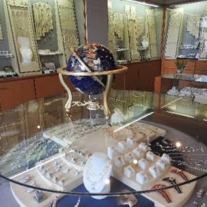 コロナ禍による真珠店主のお困りと夏のバラ♪