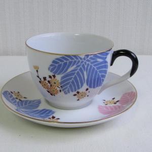 名古屋製陶所の古い小ぶりなカップ&ソーサー