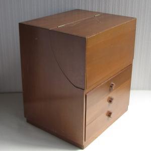 資生堂の古い木製のメイクボックス