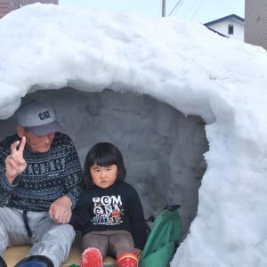 北海道で大きめの「かまくら」作った。