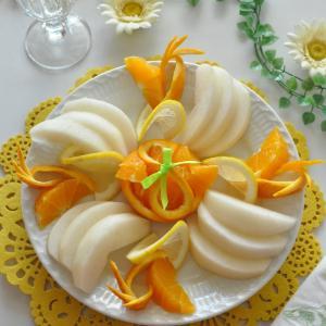 梨とオレンジのフルーツ盛り