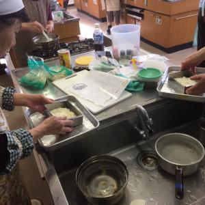サゴ澱粉を料理教室にて