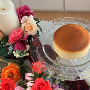 割れずに綺麗なスフレチーズケーキができました!!