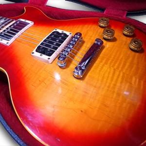 はじめて買った外国産のギター