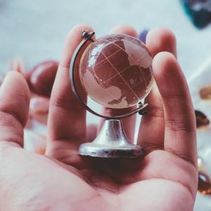 外国で生きていく…運命は決まってた?