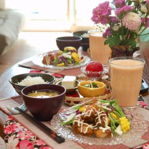 朝食*帆立照り焼きサラダ、オクラと新生姜のもずく和え*マメ過ぎる1歳息子
