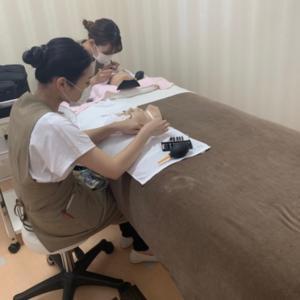 美容学生さんが実習に来てくれています^ ^