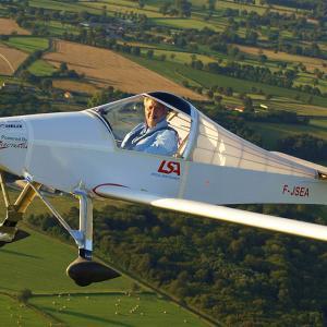 ミッチェル・コロンバンの超軽量飛行機 MC-30 LUCIOLE