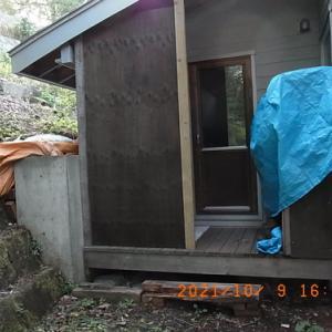 雨水の排水コルゲート管を敷設する
