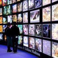 パリのエッフェル塔でキンコン西野亮廣さんの「光る絵本展」が開催