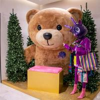 パリの百貨店プランタンのクリスマス装飾スタート 2019年のゲストはキアラ・フェラーニさん