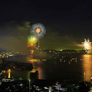 関門海峡の花火2