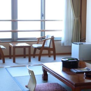 和室の旅館で心地よく過ごすためには、まず荷解きを