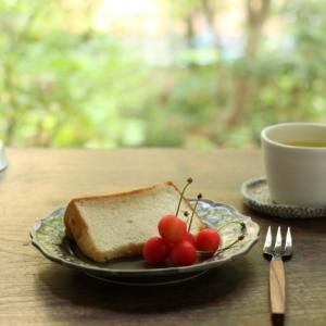 米粉のシフォンケーキと、LINNETのプリントリネン
