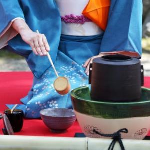 【7月・文月】この季節をより楽しめる茶道具やお菓子を使うと特別感がアップ!