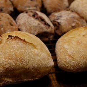 パンのストックがない!!!!!慌ててチャバタを。