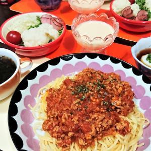 【おうちごはん】手作り感をアピールしつつ…手抜【スパゲティミートソースde夕食】。と、アメトピ。