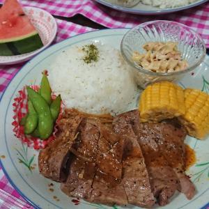 【おうちごはん】連日連夜の暑さ。体力消耗気味な日に!【豚肉のペッパー焼きdeワンプレート夕食】