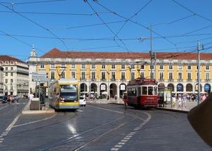 ポルトガルはリスボン。深夜の到着は日本時間早朝。
