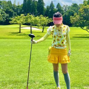 ひまわりイエローゴルフウェアコーディネート