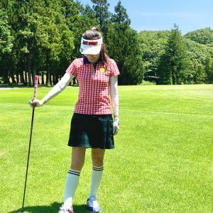 イタリアンカラーでまとめたゴルフウェアコーディネート