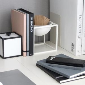 わが家の DESIGN LETTERS コレクション。北欧のモノトーンインテリア、デザレタが人気です♪